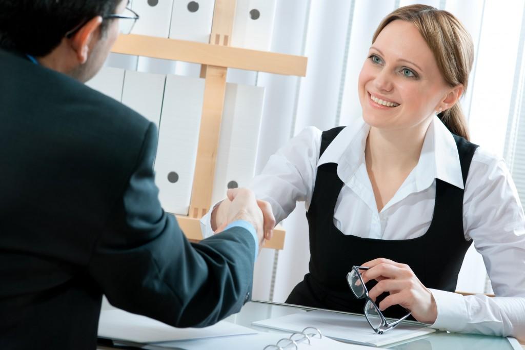 4 moduri eficiente de a programa candidatii la un interviu