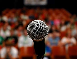 Training de public speaking pentru companii